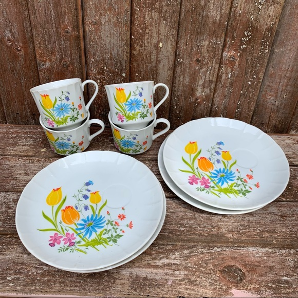 Vintage Hearthside Tea Cup and snack dish sets 4